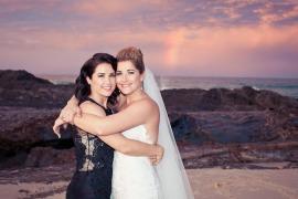 currumbin wedding jodi nat kiss the groom gold coast wedding photographer-0660