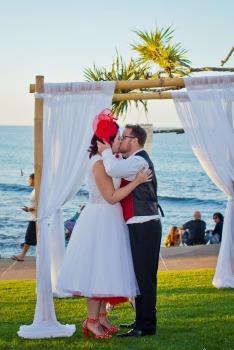 burleigh-heads-wedding-nikita-kyle-kiss-the-groom-photography-0670