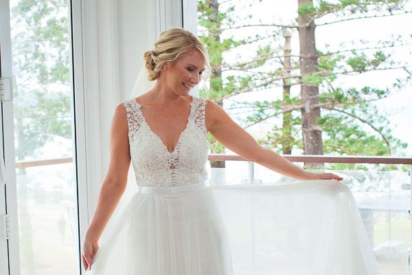 burleigh-heads-wedding-libby-wayne-kiss-the-groom-0235