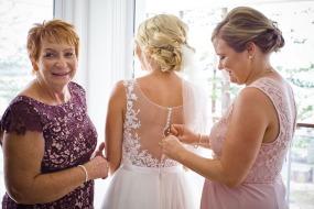 burleigh-heads-wedding-libby-wayne-kiss-the-groom-photography-0209