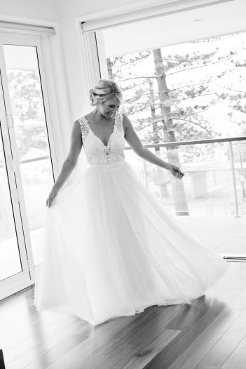 burleigh-heads-wedding-libby-wayne-kiss-the-groom-photography-0231