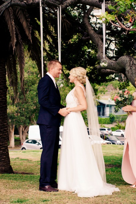 burleigh-heads-wedding-libby-wayne-kiss-the-groom-photography-0499