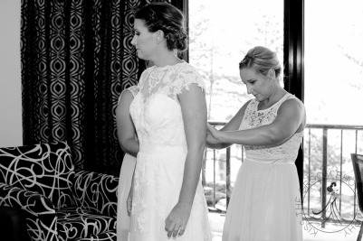 pat-fagan-park-kirra-beach-wedding-kiss-the-groom-photography-0311