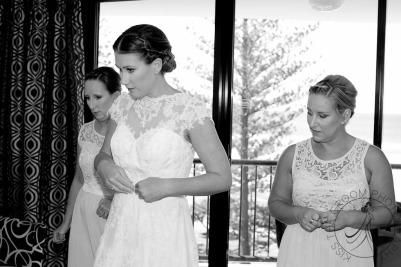 pat-fagan-park-kirra-beach-wedding-kiss-the-groom-photography-0313