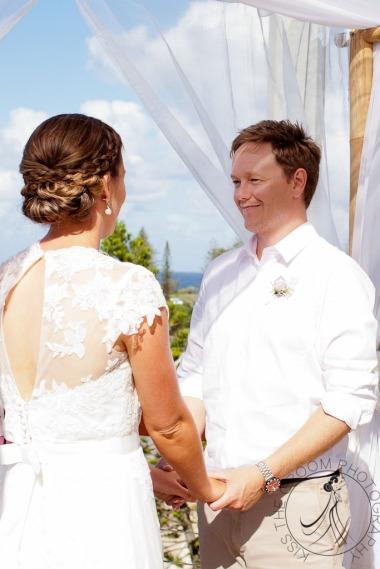 pat-fagan-park-kirra-beach-wedding-kiss-the-groom-photography-0455