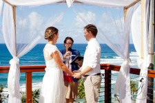 pat-fagan-park-kirra-beach-wedding-kiss-the-groom-photography-0464