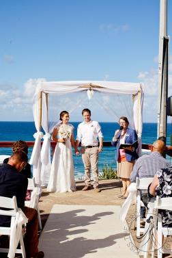 pat-fagan-park-kirra-beach-wedding-kiss-the-groom-photography-0573