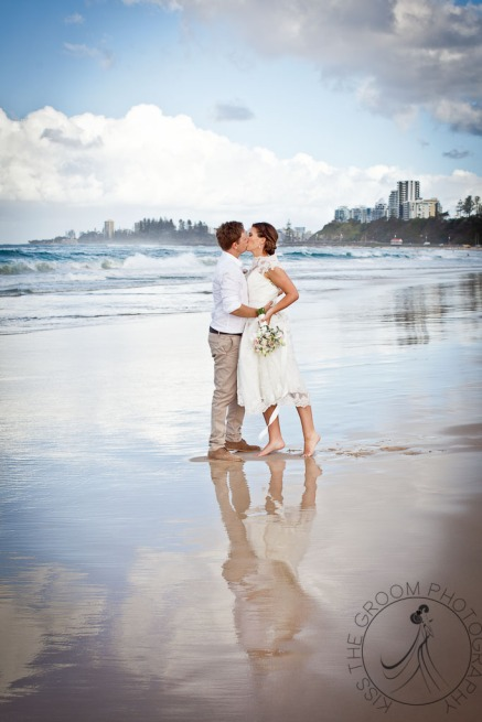 pat-fagan-park-kirra-beach-wedding-kiss-the-groom-photography-0787