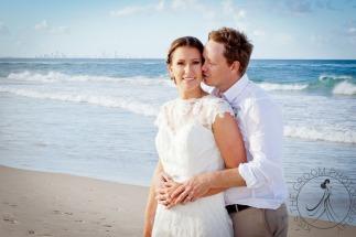 pat-fagan-park-kirra-beach-wedding-kiss-the-groom-photography-0801