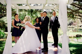 cedar-creek-winery-estate-wedding-kiss-the-groom-photography-15