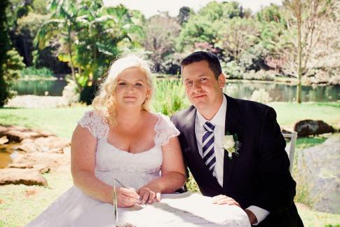 cedar-creek-winery-estate-wedding-kiss-the-groom-photography-32