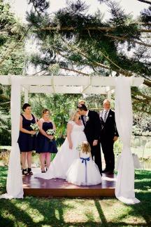 cedar-creek-winery-estate-wedding-kiss-the-groom-photography-35