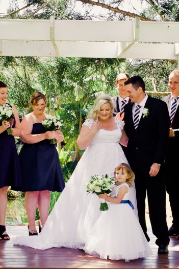 cedar-creek-winery-estate-wedding-kiss-the-groom-photography-36