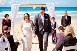 burleigh heads wedding kiss the groom-0259