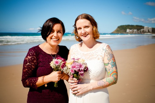 burleigh heads wedding kiss the groom-0434