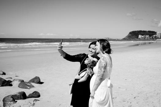 burleigh heads wedding kiss the groom-0441