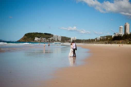 burleigh heads wedding kiss the groom-0570