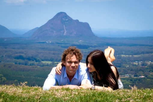 maleny one tree hill engagement shoot ben nataliya kiss the groom-0025