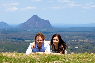 maleny one tree hill engagement shoot ben nataliya kiss the groom-0030