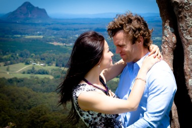 maleny one tree hill engagement shoot ben nataliya kiss the groom-0051