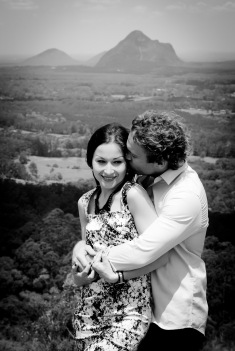 maleny one tree hill engagement shoot ben nataliya kiss the groom-0057