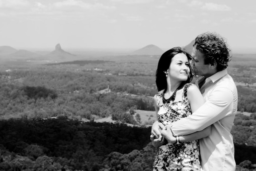maleny one tree hill engagement shoot ben nataliya kiss the groom-0065