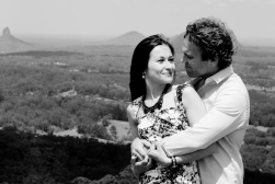 maleny one tree hill engagement shoot ben nataliya kiss the groom-0069