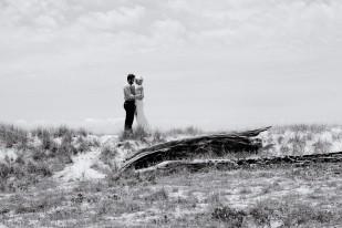 currumbin vikings wedding jodie matt kiss the groom-1019