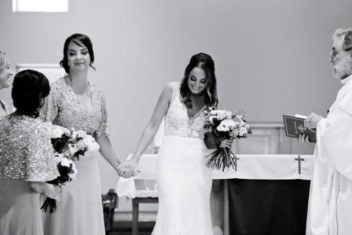tweed heads wedding rachel pat kiss the groom-0111