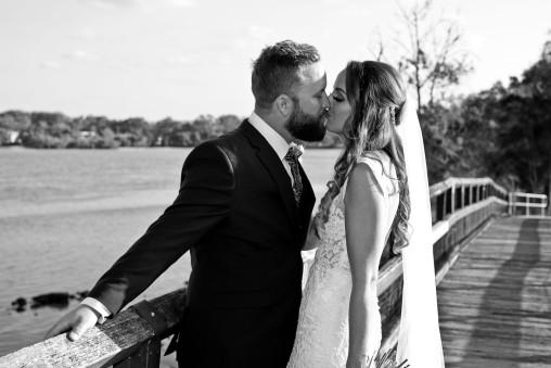 tweed heads wedding rachel pat kiss the groom-0621-2